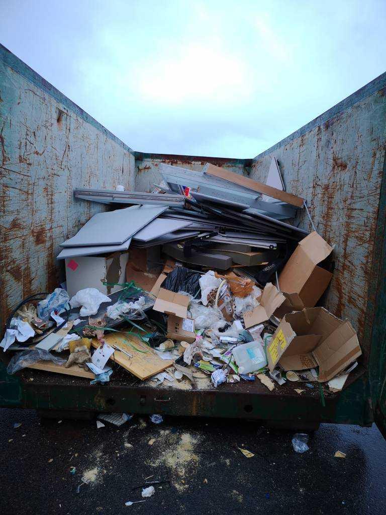 Når du trenger hjelp med dødsbo,rydding av dødsbo,bortkjøring av søppel,rydding, tømming, sortering i Oslo med en god resultat kontakt oss.-a|aQ1